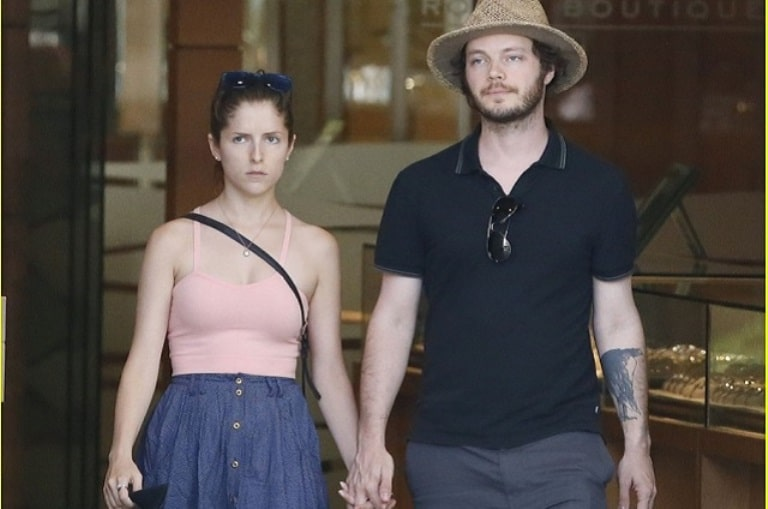 Is Anna Kendrick Gay Or Lesbian? The Untold Truth