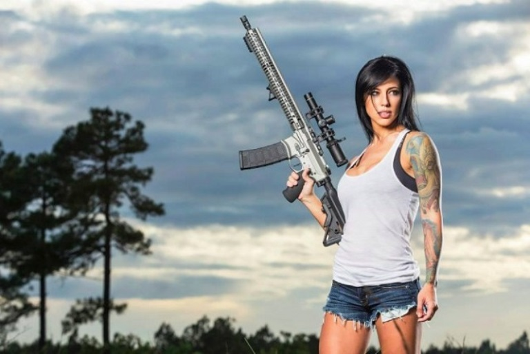What Is Alex Zedra's Age & Does She Have A Boyfriend Or Husband?
