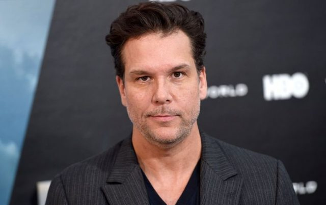 Does Dane Cook Have A Girlfriend Or Is He Married To A Wife?
