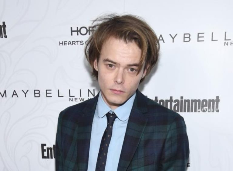 Charlie Heaton Biography, Girlfriend – Natalia Dyer, Son And Family
