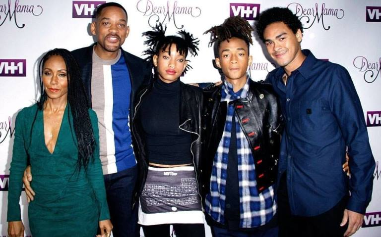Willow Smith Biography, Age, Net Worth, Boyfriend and Family, Is She Gay?